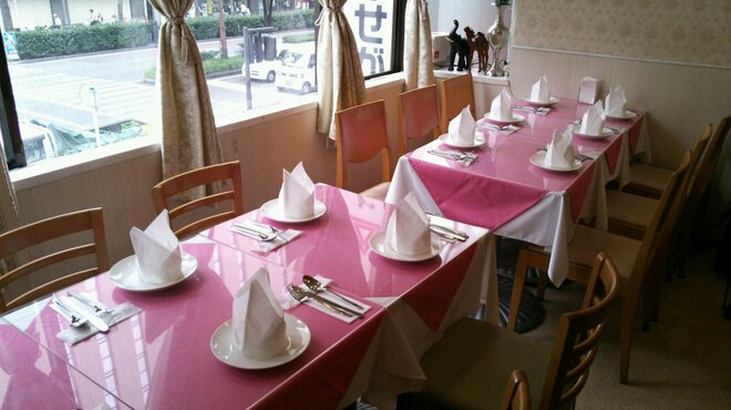 TAJ - 内観写真:綺麗な店内でゆっくりお食事を!!