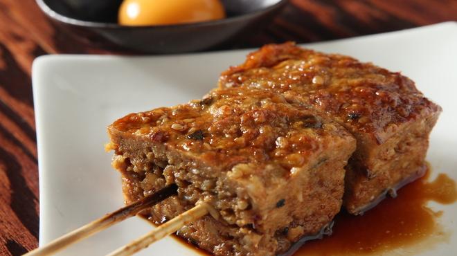 てげてげ - 料理写真:FMヨコハマでも取り上げられた人気の「四角いつくね」です。