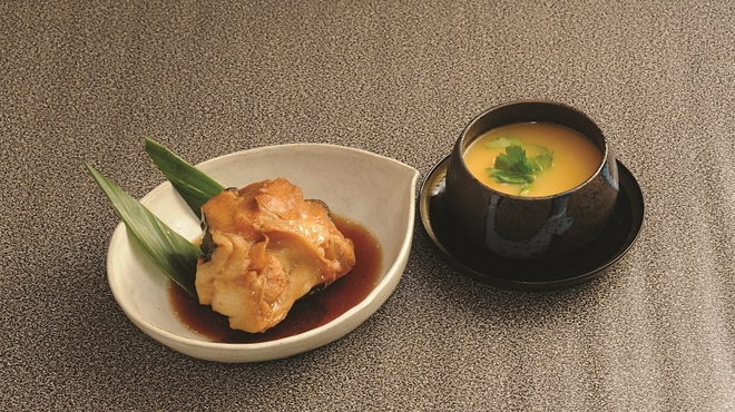 元禄鮨 - 料理写真:一品料理 800円〜 あんきも・生だこぽんず・煮魚・茶碗蒸し など