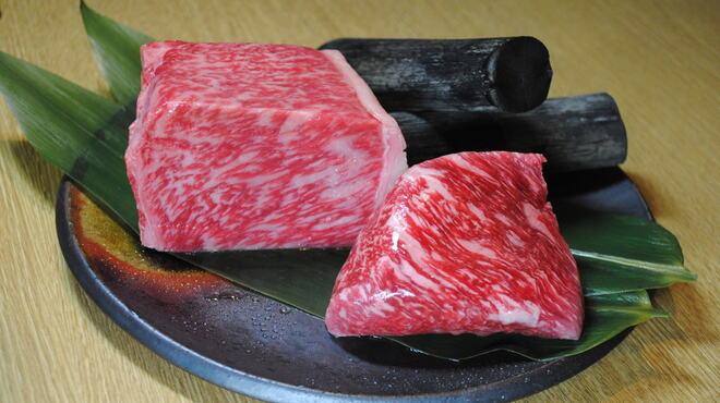ぬる燗 佐藤 - 料理写真:黒毛和牛 米沢牛極上霜降りざぶとん