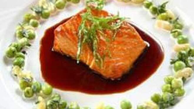 ル・プティ・トノー - 料理写真:フィリップ・バットン氏のバラエティーに富んだ料理