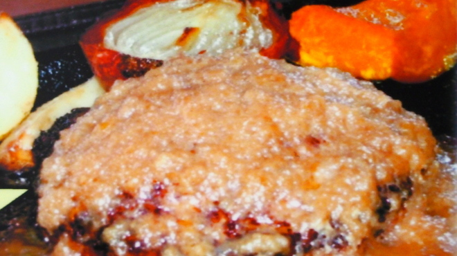 Toshi - 料理写真:☆シャリアピンソースハンバーグ(玉ねぎをしっかり炒めて甘みを出し、醤油バターとコンソメで味を入れた絶品ソースです!