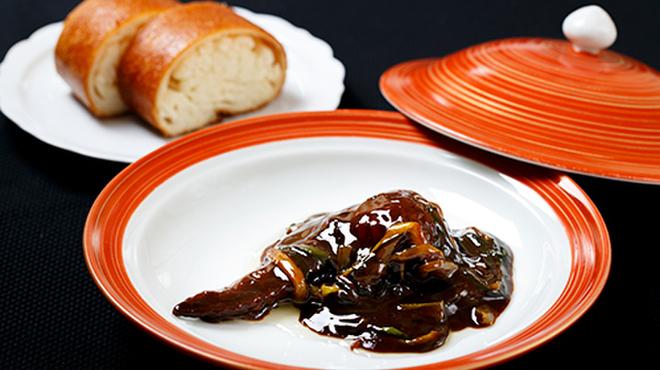 メゾン・ド・ユーロン - 料理写真:遊龍特製 手羽先のフカヒレ詰め たまり醤油煮込み
