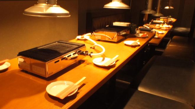 肉屋の台所 宮益坂ミート - 内観写真:20名様テーブル