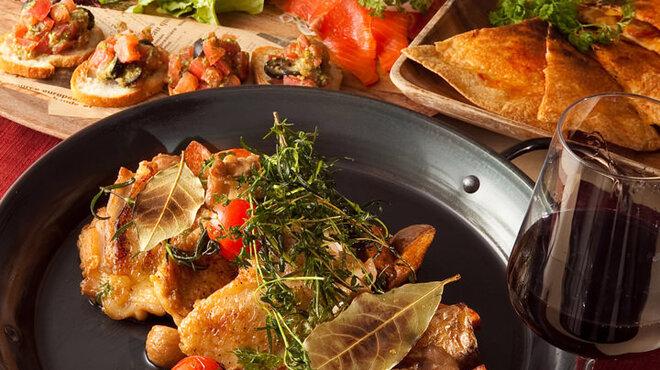築地テラス - 料理写真:もち豚のハーブロースト&あったかムール貝のワイン蒸し