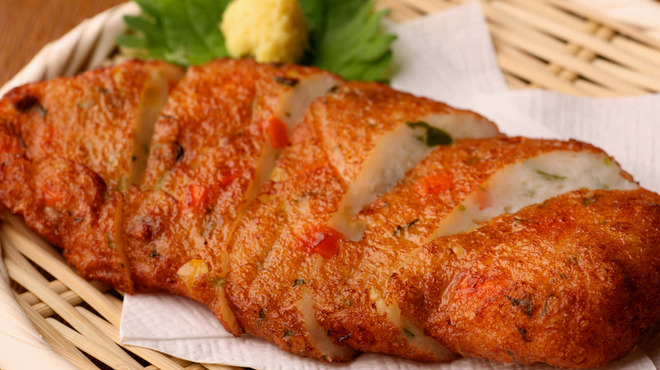 さかえや - 料理写真:【自家製ふわっふわさつま揚げ】プリップリの海老が入ったふわふわさつま揚げです。 シンプルに塩と生姜醤油で。