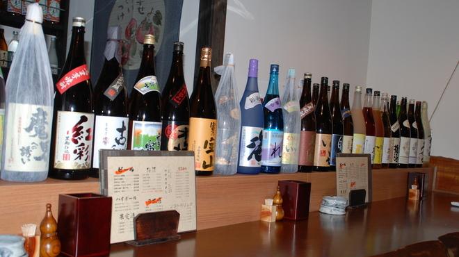 くし処かぐら大橋店 - 内観写真:焼酎、地酒、梅酒、果実酒