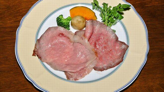 風 - 料理写真:特選和牛ローストビーフ