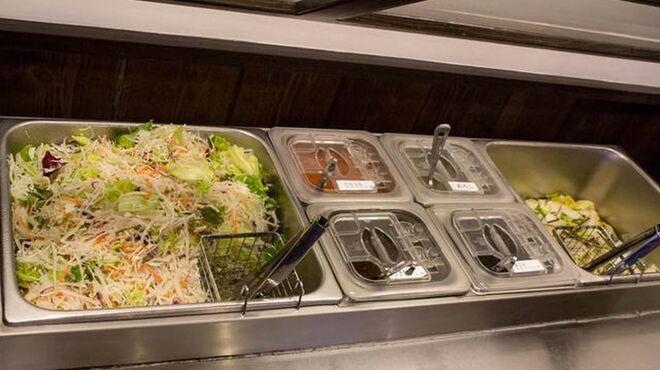 愛庵 - 料理写真:サラダと漬物が食べ放題です!