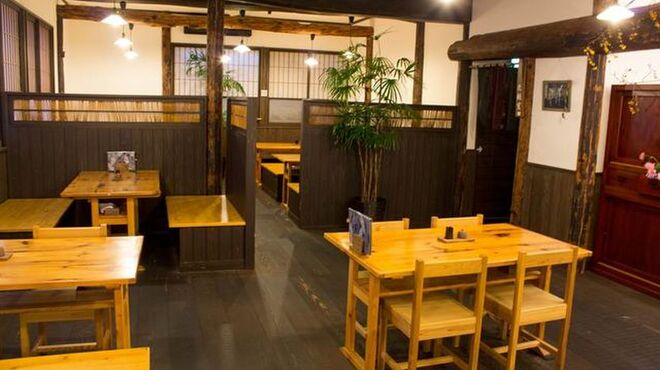 愛庵 - 内観写真:木のぬくもり溢れる店内です。