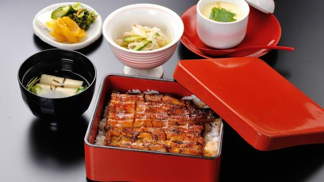 おおずし - 料理写真:こだわりの炭火焼。もちろん国産鰻のみ使用です。