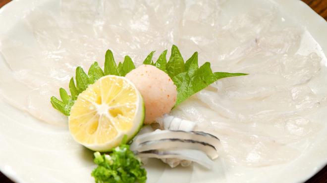 御馳喜々 - 料理写真:冬の定番! 歯応えと味わいをじっくり堪能できる『てっさ』