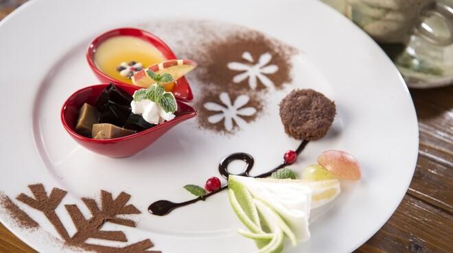 レストランITOSHIMA - 料理写真:日替わりデザートセット¥700円