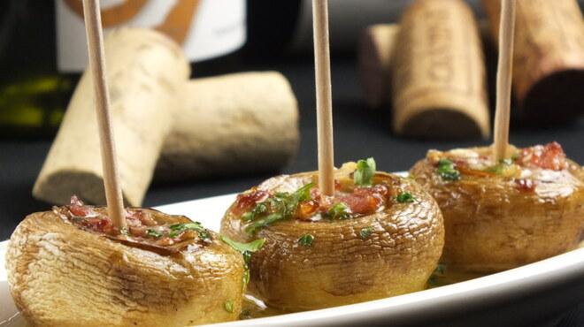 スペインバルバルエルソル - 料理写真:新登場!マッシュルームと生ハムのオーブン焼き