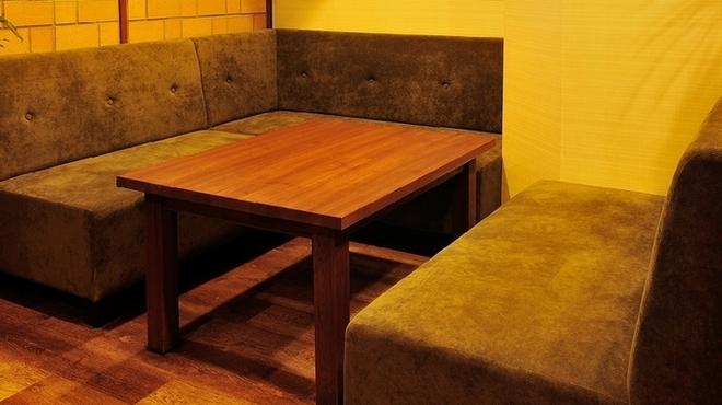 Coboカフェ - 内観写真:ママ会におすすめ! ゆったりとくつろげるオシャレな空間