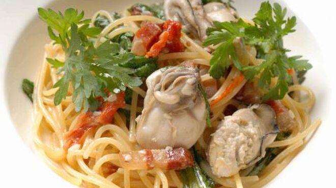 オステリア ボッカーノ - 料理写真:牡蠣と春菊のスパゲティ