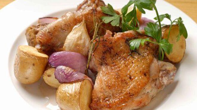 オステリア ボッカーノ - 料理写真:大山鶏のロースト香草風味