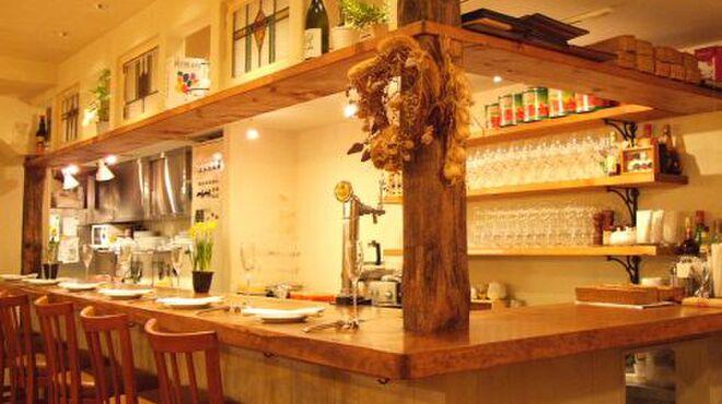 オステリア ボッカーノ - 内観写真:お1人でも気軽に行ける、落ち着いた雰囲気のお店。本格イタリアンがリーズナブルに楽しめます♪
