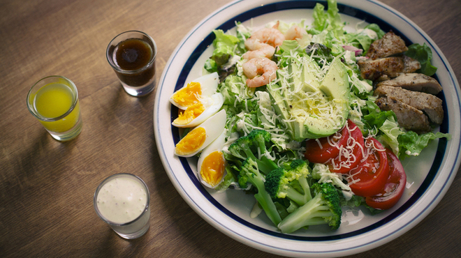 ザ・ミートショップ - 料理写真:<ディナーサイドメニュー>ミートショップのボリュームサラダ 1,200円