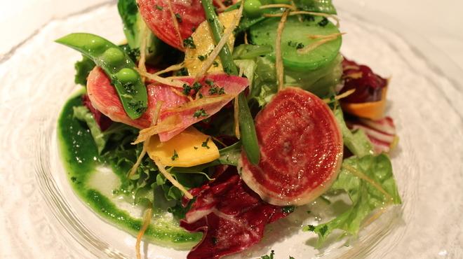 Le Temps - 料理写真:【季節野菜のサラダ クルミオイル風味】