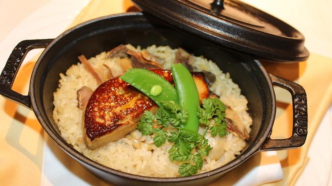 Le Temps - 料理写真:【ストゥーブ鍋の洋風炊き込みご飯】・牡蠣、セップ茸、フォアグラの生姜風味