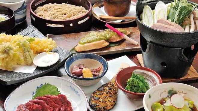 みよ田 - 料理写真:冷たい蕎麦又はとうじそばが選べる宴会料理2,800円コースの一例