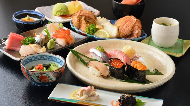 はこだて鮨金総本店 - 料理写真:「いさりびコースお一人様¥10,800」※¥8,640のコースも御座います。(前日まで要予約)
