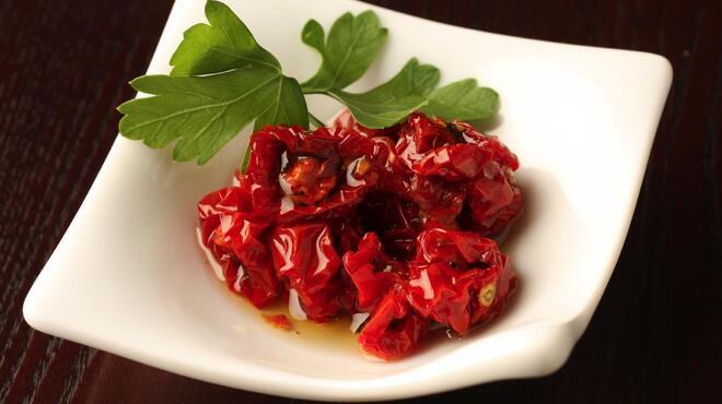 アントン ビー - 料理写真:自家製ドライトマトのオイル漬け