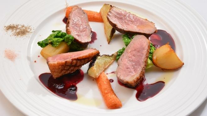 アマルフィイ ノベッロ - 料理写真:仏産鴨胸肉の赤ワインソース