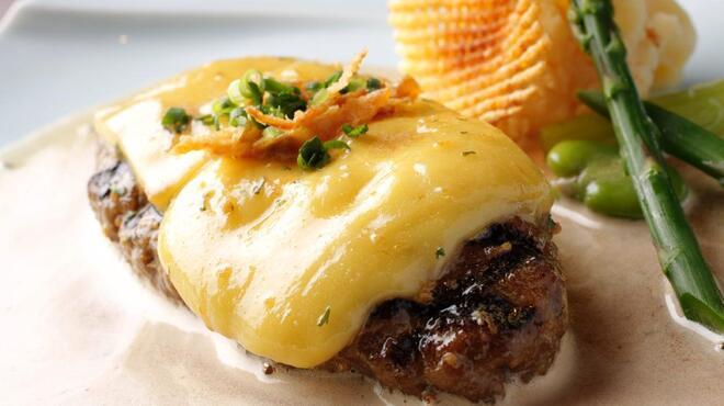 旬菜ステーキ処 らいむらいと - 料理写真:らいむらいと風チーズハンバーグ200g