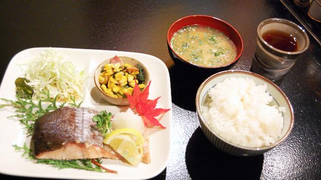 昭和大衆酒場 てくてく屋 - メイン写真: