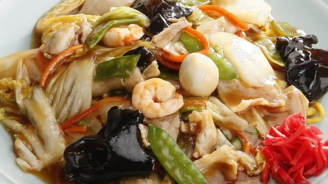 えぞっこ - 料理写真:えぞっこ名物!常にトップ10に入るボリューム満点のあんかけ焼きそば。野菜がたっぷり!
