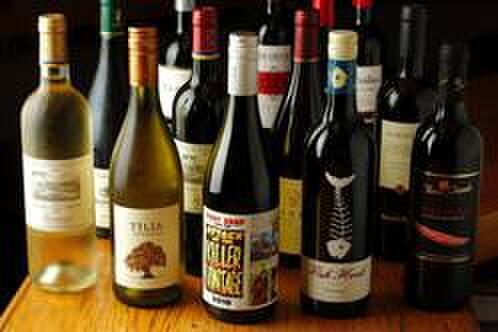 wabisuke - 料理写真:ワインは常時35種類以上!! 毎日おいしいワインを探してます。