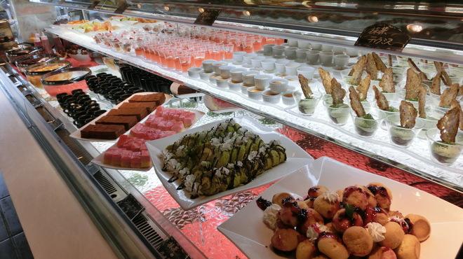 ブッフェ ザ・ヴィラ - 料理写真:デザートコーナー3 14年4月30日