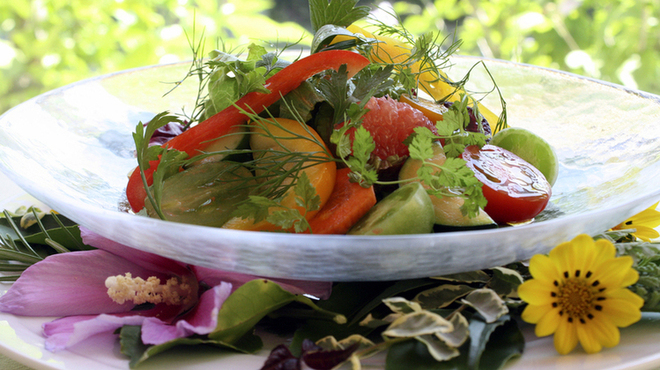 ガーデンレストラン アマルフィイ - 料理写真:近郊野菜をふんだんに使ったガーデンサラダ