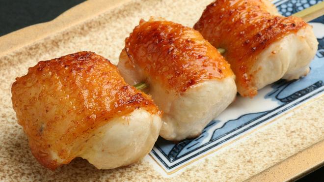 心斎橋 今井屋本店 - 料理写真: 熟成されたむね肉の旨みと柔らかさとパリッときつね色に焼きあがった皮の相性は抜群です