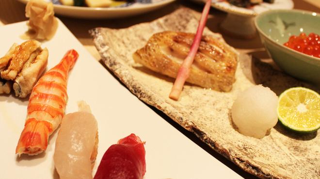 鯛良 - 料理写真:季節に合った料理