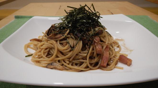 Ailnoir - 料理写真:自家製ベーコンと黒にんにく入り和風ペペロンチーノ