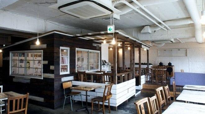 A to Z cafe - 内観写真: