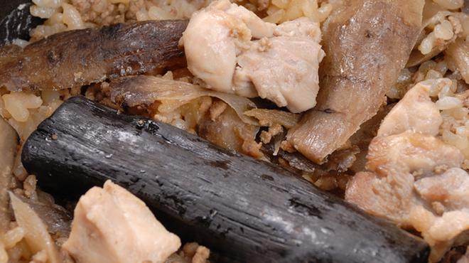 ごはん亭 家蔵 - 料理写真:地鶏の土鍋めし