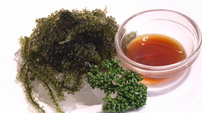 沖縄Diningでーじな豚 - 料理写真:海ぶどう    ¥399