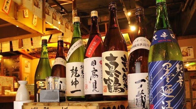 日本一の宮城の魚が喰える店 三陸 天海のろばた - ドリンク写真:日本酒は、宮城の純米酒を取り揃えています。