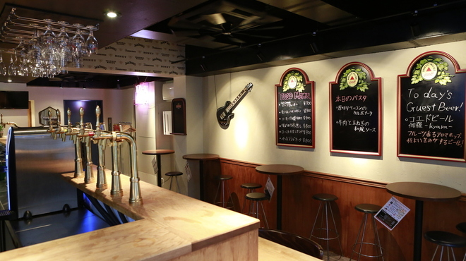 Beer Bar HB - 内観写真:最大35名までの貸切対応!