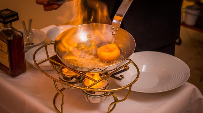 NORI - 料理写真:季節のフルーツのフランベ
