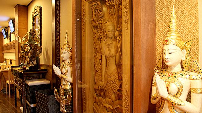 アジアンタワン - 内観写真:タイで購入した本場の置物がいっぱい!!!お料理を待つ間も退屈せずにお楽しみいただけます。