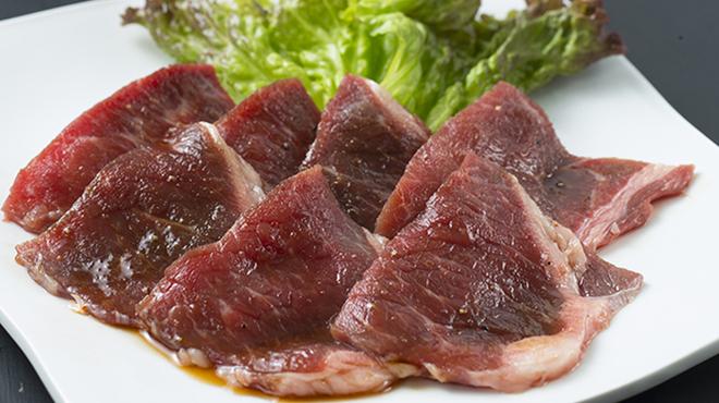 すたみな太郎 - 料理写真:スタミナ上ロース<赤身肉>(しょうゆダレ)