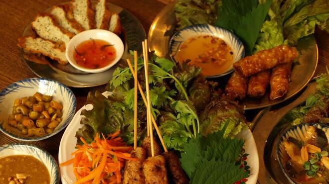 ベトナム屋 DZO! - 料理写真:バラエティ豊かな料理は約50種!