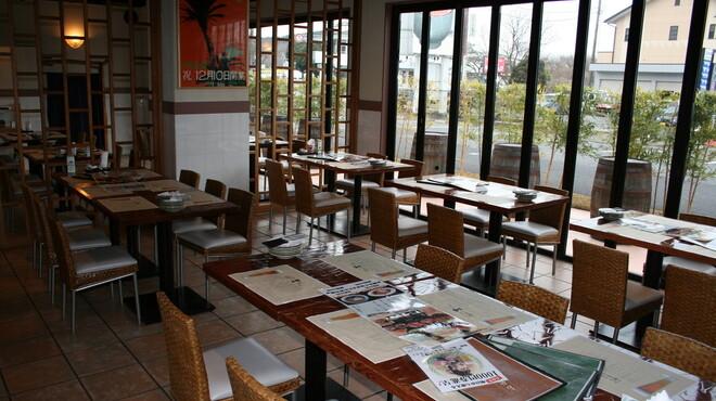 伊豆高原ビール本店レストラン - 内観写真:1階客席