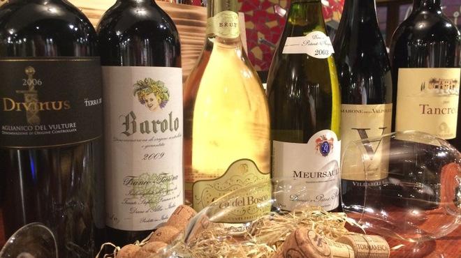 ファンタジスタ - 料理写真:高級ワインを湯島1の破格で!