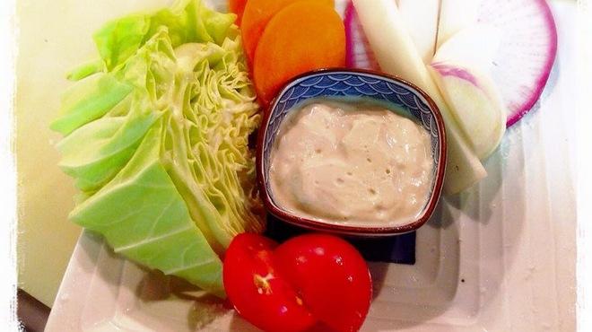横田酒場 - 料理写真:立川野菜盛り豆腐ディップ大と小がございます